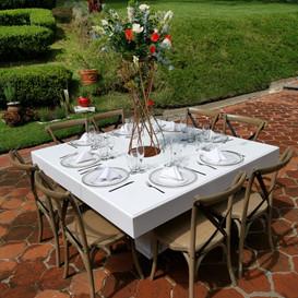 Montaje mesa laquiada