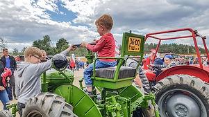 Traktoriu svente (10).jpg