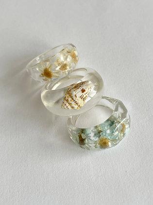 Set Resin Ringe Flowers and Seashell