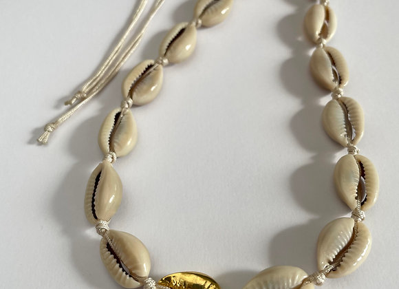 Choker Cowrie Natural and Gold / Silver