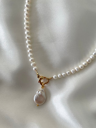 Halskette Pearls and Heart Clasp