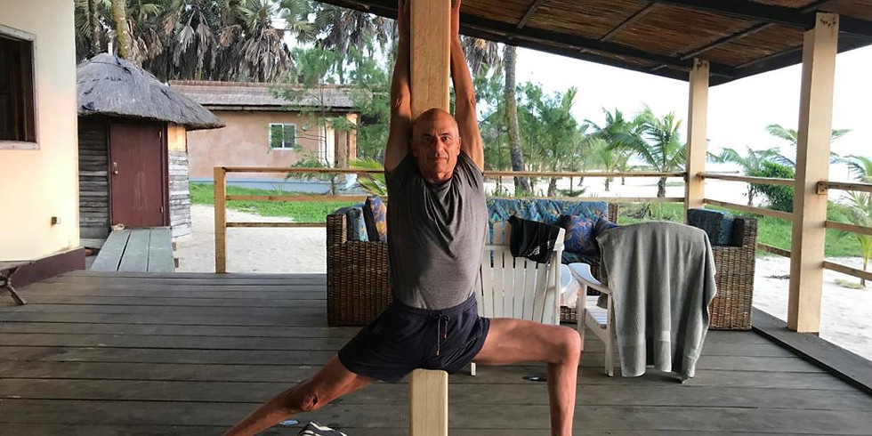 Yoga Iyengar en línea con el maestro Eyal Shifroni