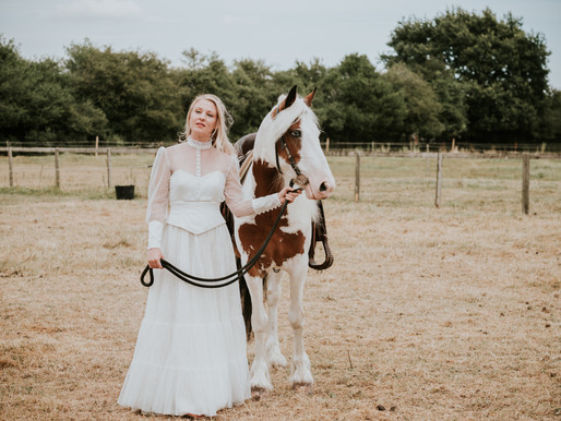 Nashville: an alternative wedding dress collection with country influences