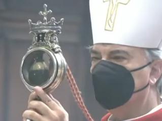 Hellige Januarius blod blir til flytende for andre gang i 2021