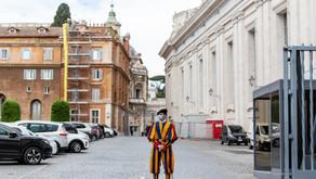 Vatikanet krever vaksinekort for besøkende og ansatte
