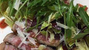 牛ステーキのタリアータ、チーズ詰パスタのオーブン料理 他