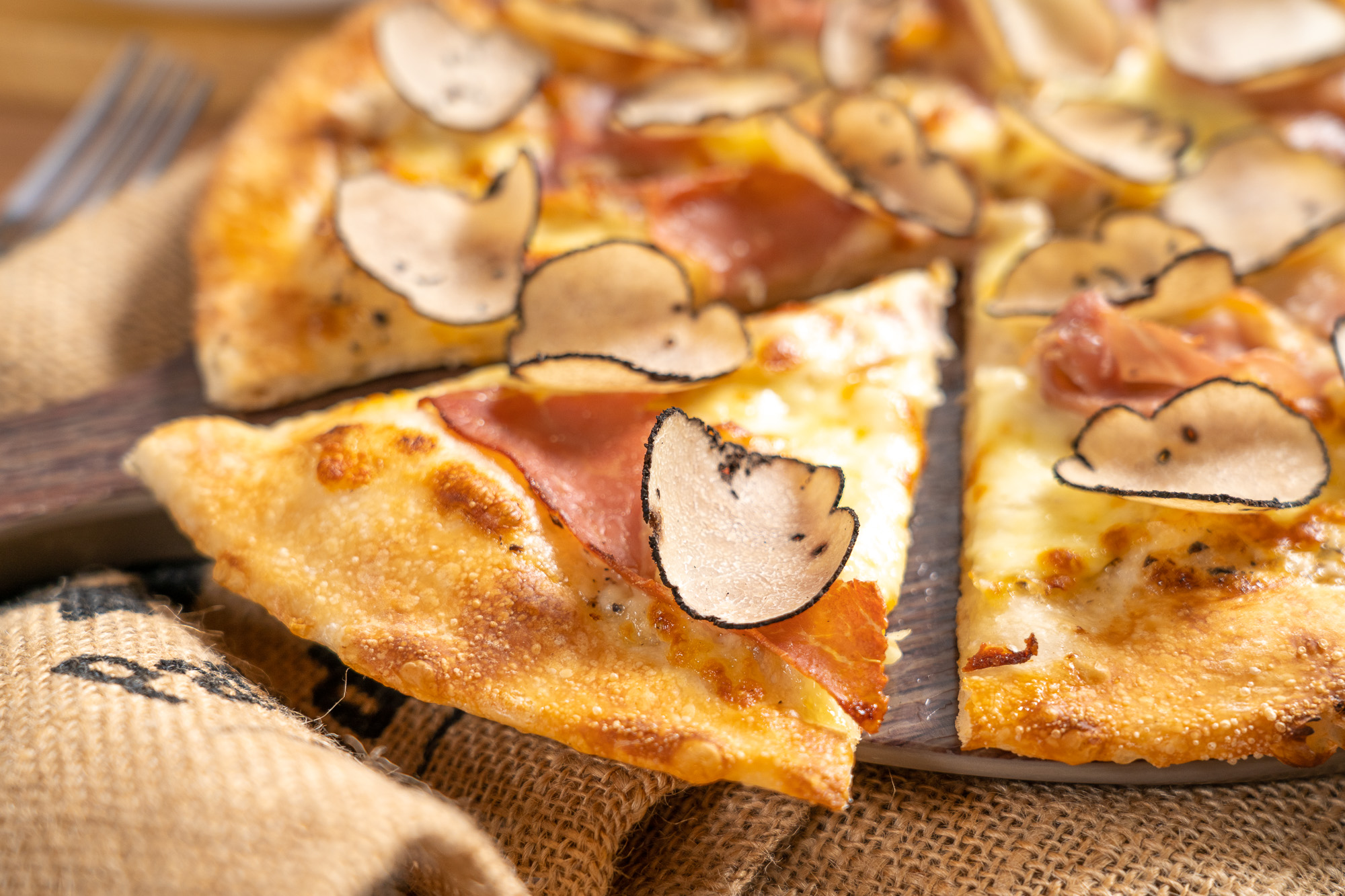 Fresh Black Truffle, Mozzarella and Prosciutto Pizza