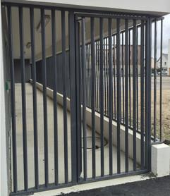 Porte barreaudée