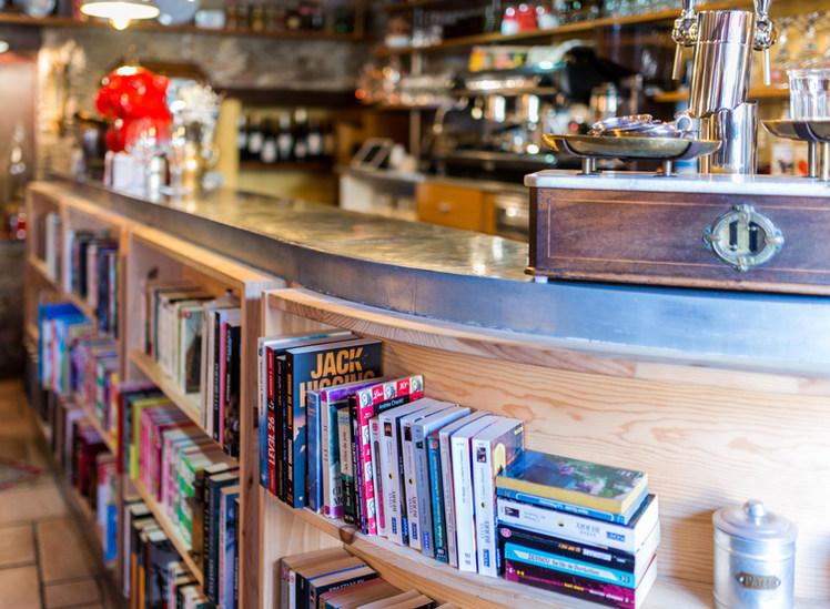 Bar ou Bibliothèque ?