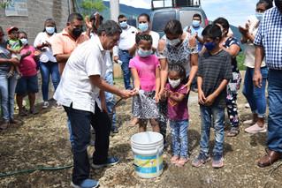 Tras 18 años de estar en el abandono, inaugura Jaimes introducción de red de agua potable