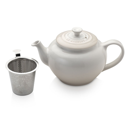Le Creuset Stoneware Small Teapot with Infuser - Meringue