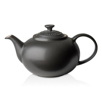 Le Creuset Stoneware Classic Teapot - Matt Black