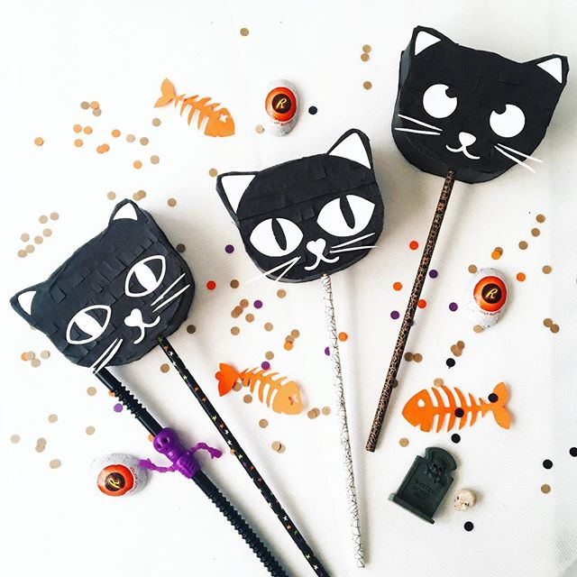 Working on October's giveaway... Three little kittens for those little minions