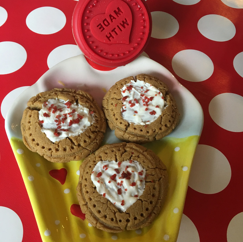 Cookies with Cheese Frosting