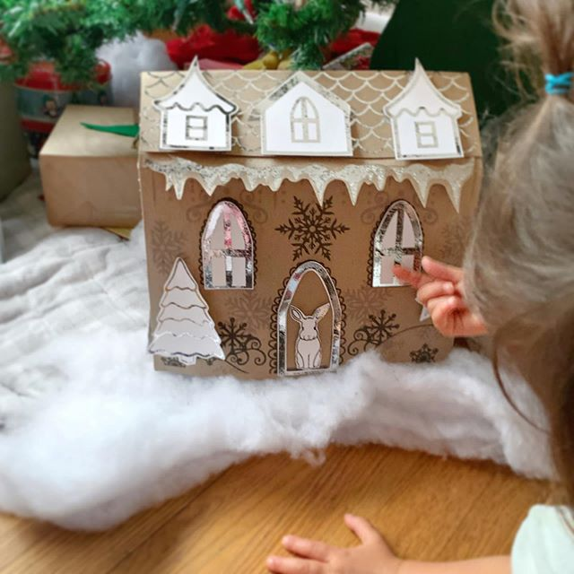 Here it is, gingerbread house, with silv