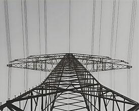 pilon-sky-electricity-black-and-white-bl