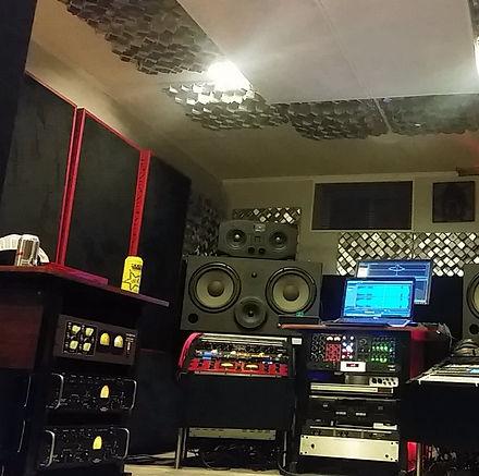 BassFuzzRoom.jpg