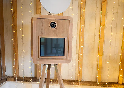 Vintage Photo booth, Photobooth, Photo booth hire, wedding Photo booth hire, Hampshire photo booth hire, Portsmouth photo booth hire, Outside and Instant Photography