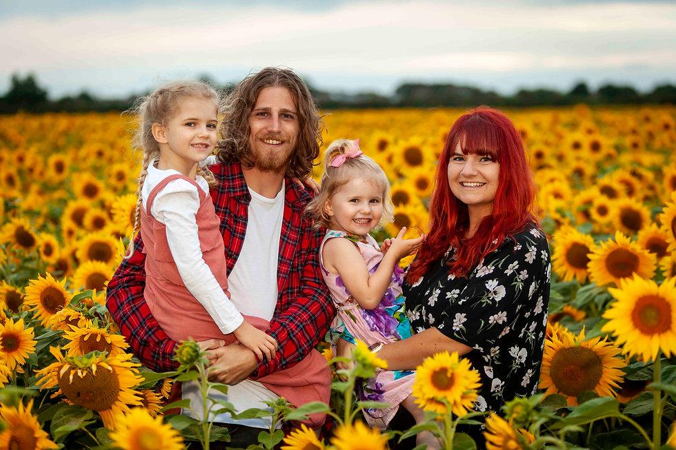 Family photo sunflower field.jpg