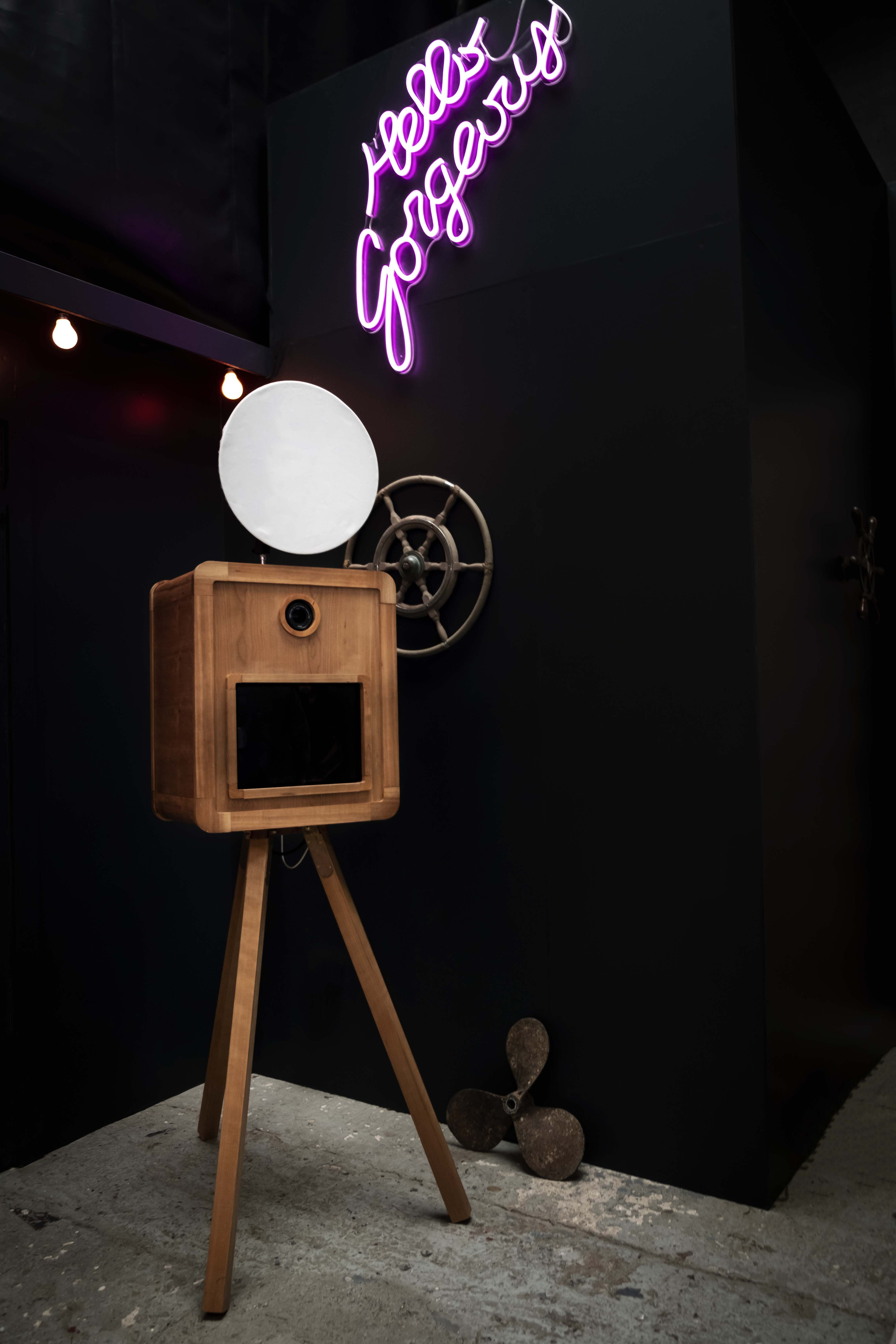 wooden vintage camera photo booth