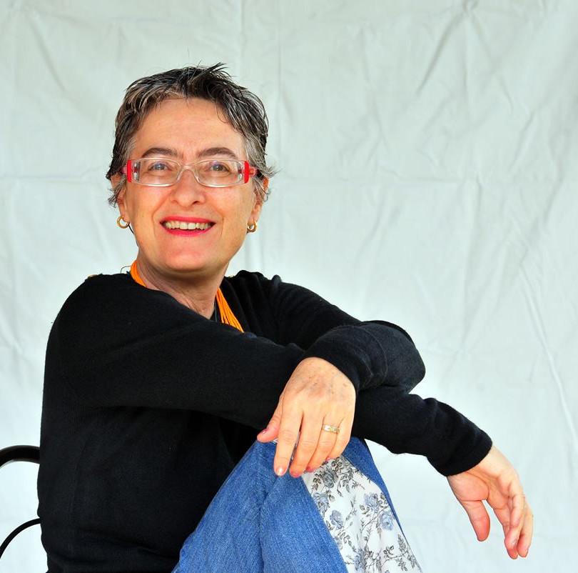 Escritora Clara Arreguy