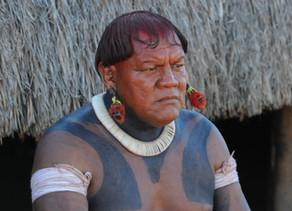 Morre de Covid19, o cacique Aritana Yawalapiti, líder da tribo do Parque Indígena do Xingu