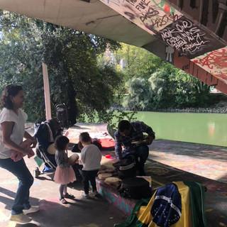 oficinas de Pandeiro com Helder Batata e Grafite com o artista plástico, Marcelo Amarelo e Capoeira com o contramestre Zangão