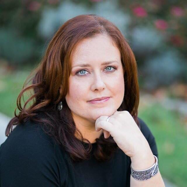 Escritora Manuela Tchoe