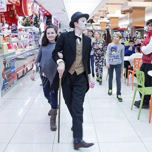Чарли Чаплин с трубачом