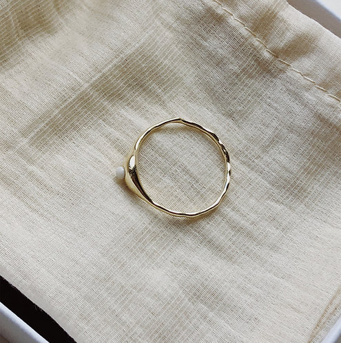 14kt gold ring with tearstone