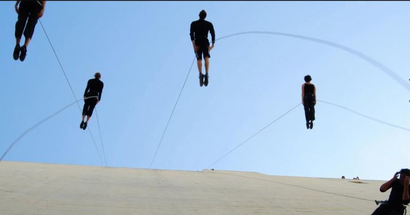 la-danza-verticale-di-bandaloop-820058