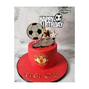 Red velvet Man Utd themed 21st birthday cake