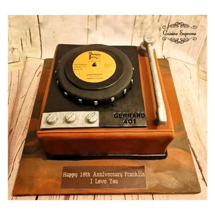 Vanilla sponge anniversary cake