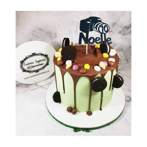 Chocolate Marble Cake with Camera, Oreros and chocolate eggs