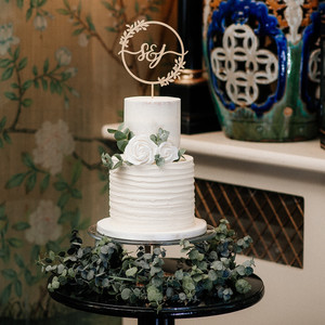 TwoTier Doube Barrel Wedding Cake