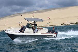 location bateau hors bord BOMBARD SUNRIDER 750 cote et mer 16 places, 250 cv, bassin d'arcachon