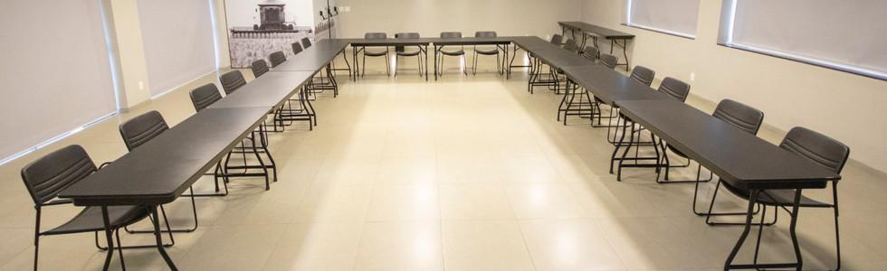 Formato em U com mesas