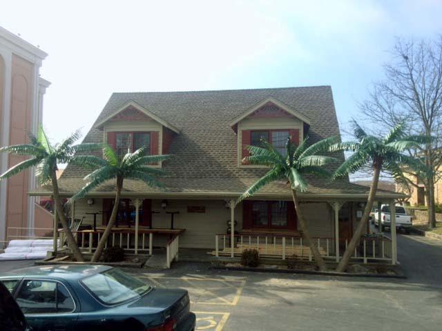 clarion restaurant 1.jpg