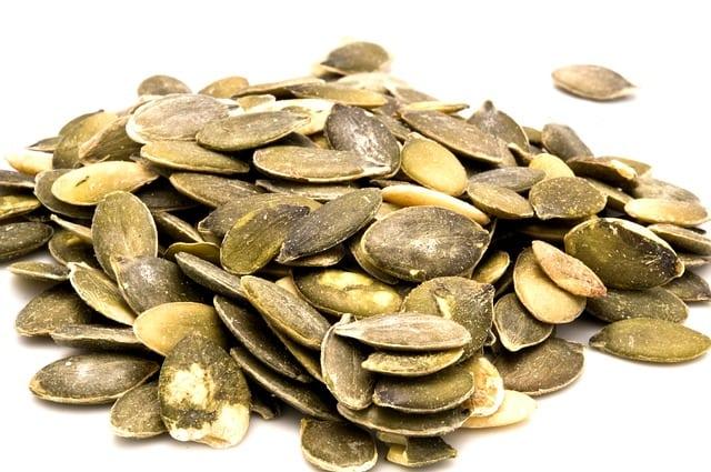 pumpkin-seeds-1326476_640