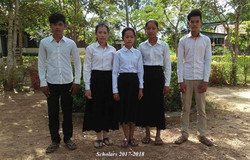 The first AUKAS scholarship students