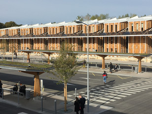 La façade depuis la gare