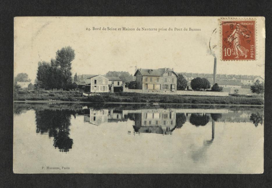 Chemin de halage et haras de Nanterre, quartier du Petit-Nanterre depuis le pont de Bezons. Carte postale, 1900.