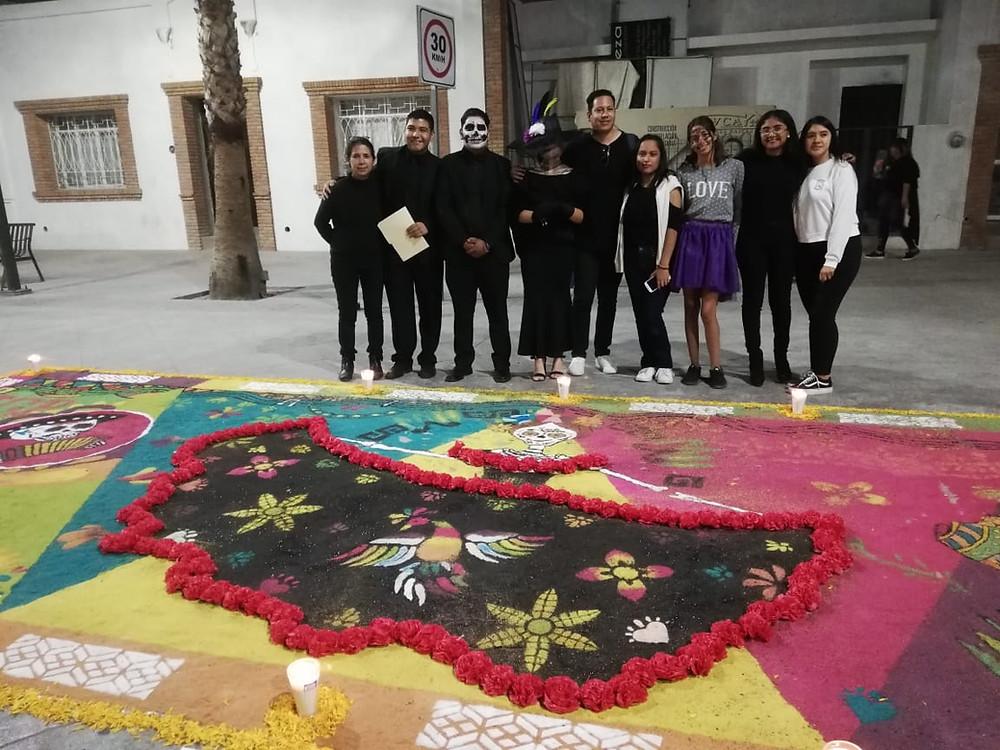 Mejor Tapete Alusivo al Día de Muertos en donde el Instituto Gómez Palacio fue el que obtuvo el primer lugar.