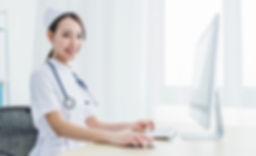 あなたに寄り添うように、実際の医師がオンラインでいつでもサポート致します。