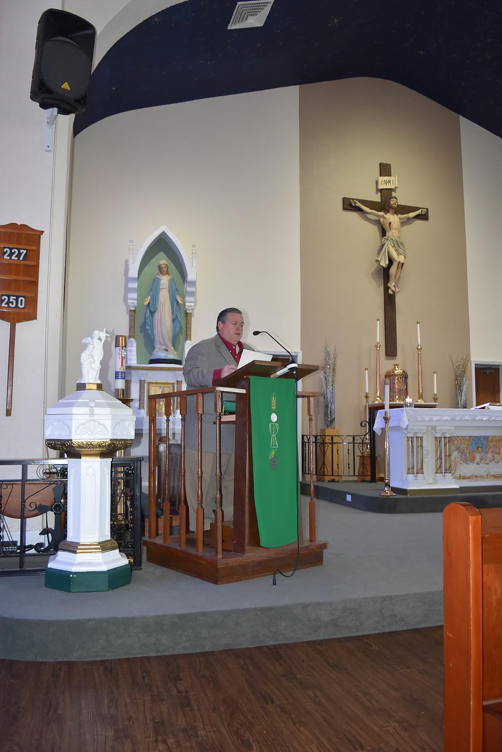 """Mayor Anderson reads Proclamation celebrating """"Catholic Schools Week"""""""