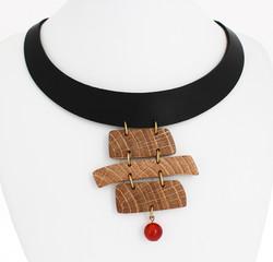 oak carnelian leather necklace