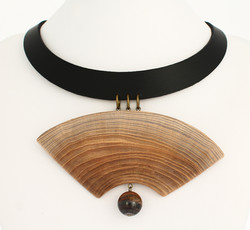 elm tigers iron leather necklace