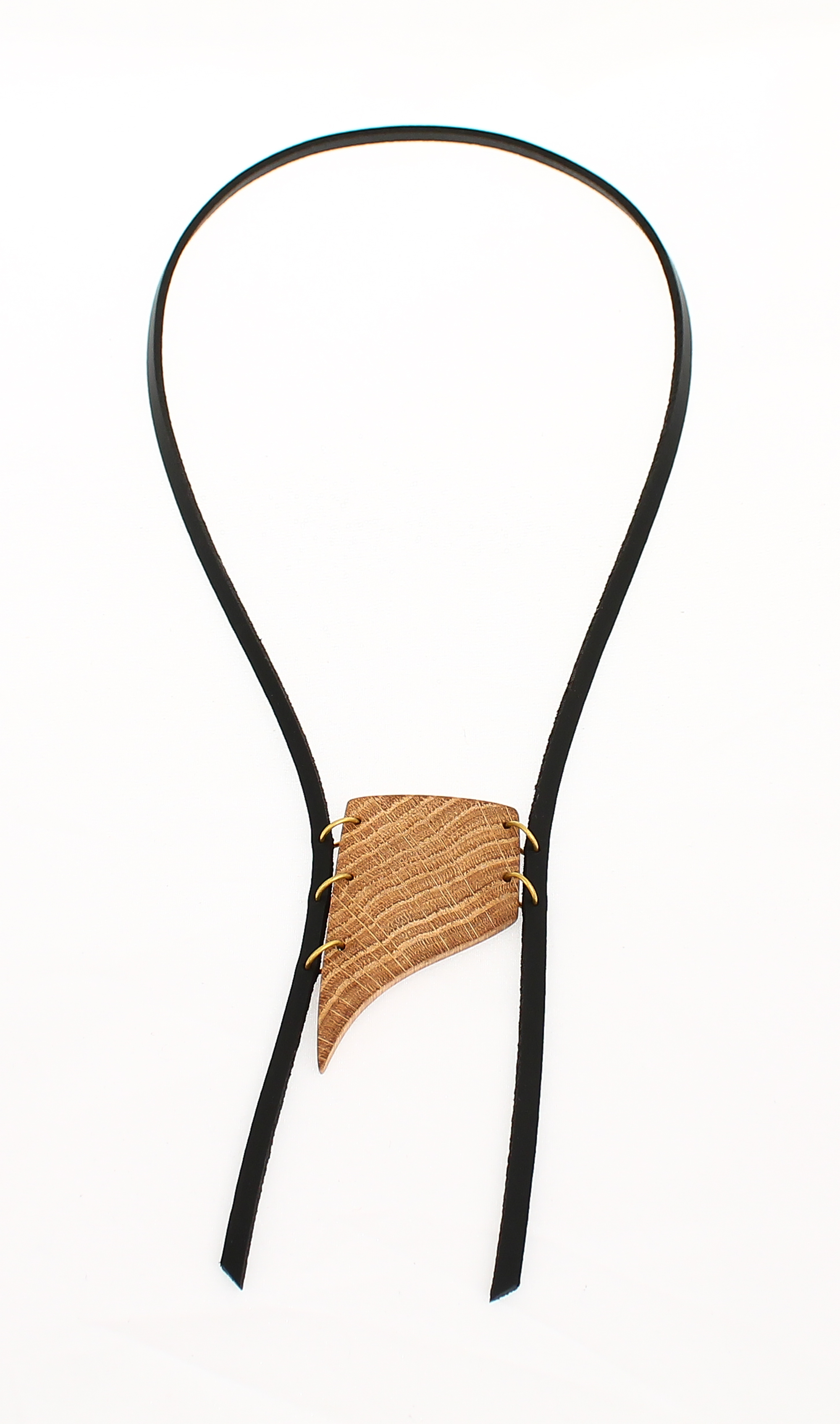 oak leather necklace