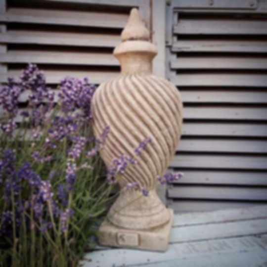 Provence Finial
