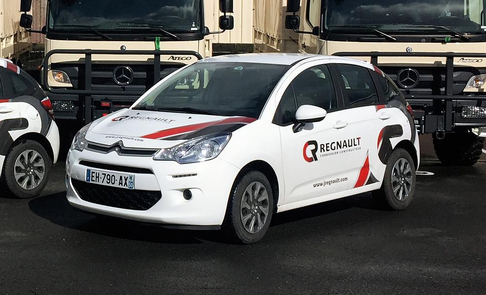 voiture commerciale Regnault